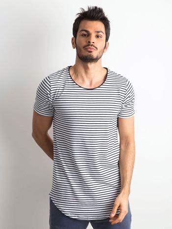Biało-granatowa koszulka męska w paski