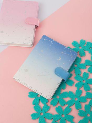 Biało-niebieski notatnik ombre z nadrukiem