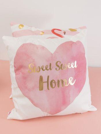 Biało-różowa ozdobna poduszka z nadrukiem