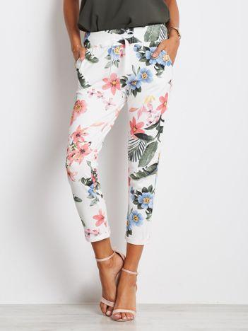 Biało-różowe spodnie Roses