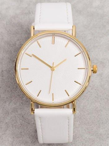 Biały Zegarek Damski Z Wytłaczaną Tarczą
