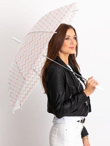 Biały parasol w geometryczne wzory