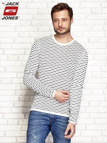 Biały sweter męski w paski