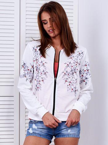 Bluza bomberka biała w delikatny roślinny deseń