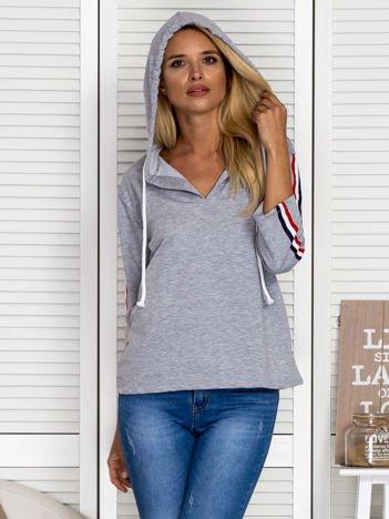 Bluza damska z trójkolorową taśmą na rękawach szara