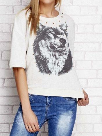 Bluza z nadrukiem wilka i ćwiekami beżowa