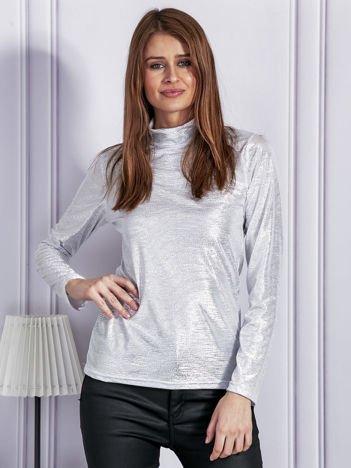 Błyszcząca bluzka z niskim golfem srebrna