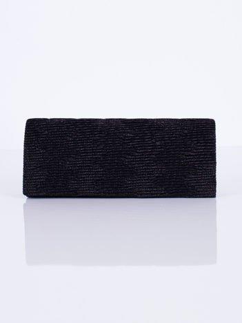 Błyszcząca kopertówka z ozdobnym karbowaniem czarna