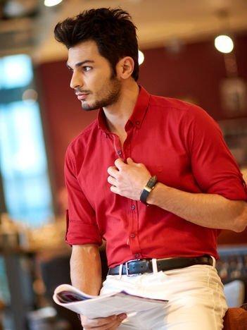 Bordowa koszula męska regular fit z podwijanymi rękawami