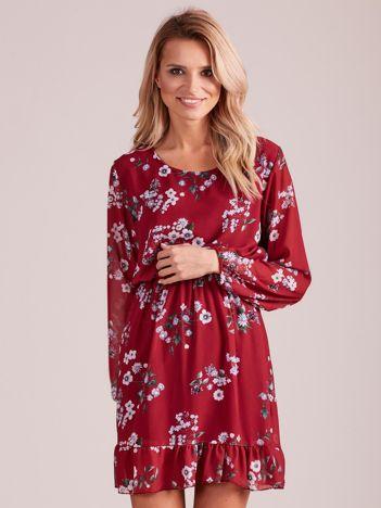 Bordowa sukienka w kwiaty z falbaną
