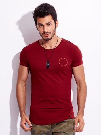 Bordowy t-shirt dla mężczyzny z napisem