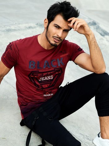 Bordowy t-shirt męski z wypukłym napisem i diamentem