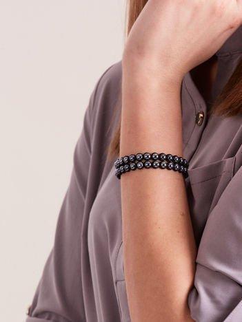 Bransoletka damska na czarnym zamszowym pasku z antracytowymi perełkami