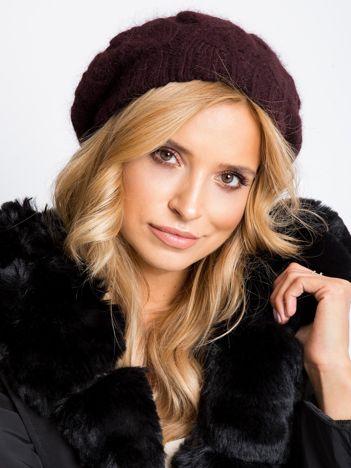 Brązowa czapka damska