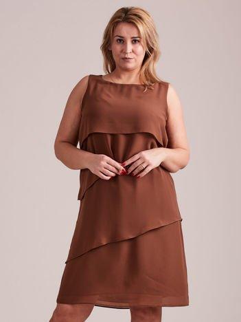 Brązowa sukienka koktajlowa z falbanami PLUS SIZE