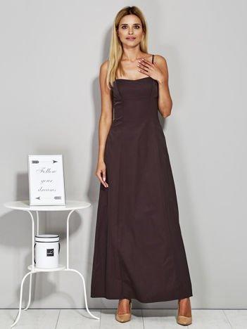 Brązowa sukienka wieczorowa z drapowaniem