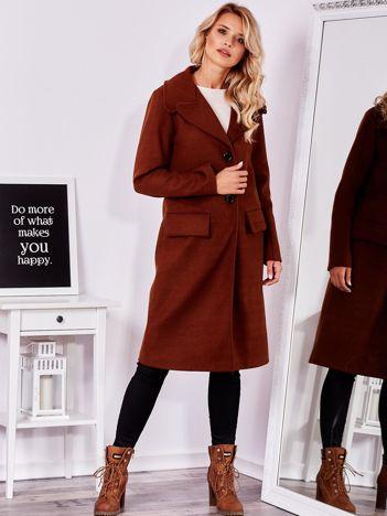 Brązowy elegancki płaszcz