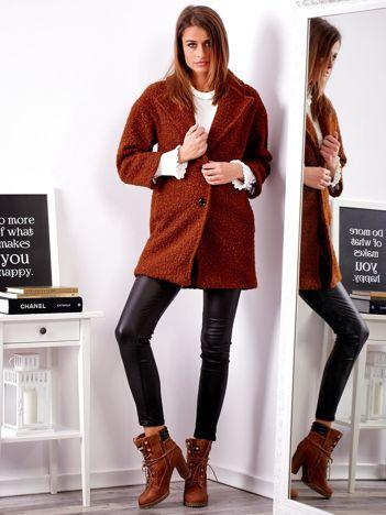 Brązowy płaszcz damski
