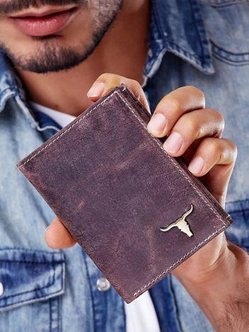 Brązowy portfel męski skórzany z emblematem