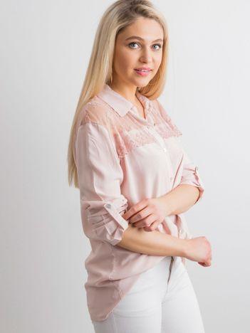 Brudnoróżowa koszula z długim rękawem