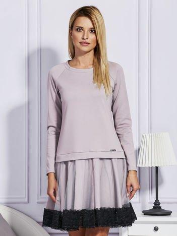 Ciemnobeżowa sukienka z tiulową spódnicą