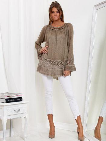 Ciemnobeżowy dłuższy sweter z cekinami i koronką