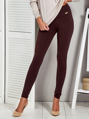 Ciemnobrązowe legginsy z elastycznym pasem