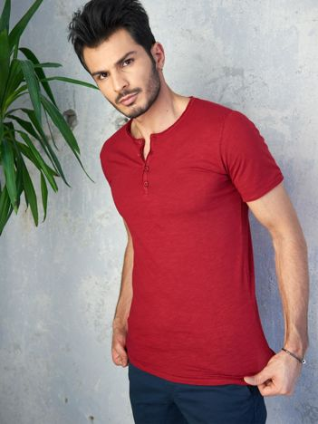 Ciemnoczerwony t-shirt męski z guzikami