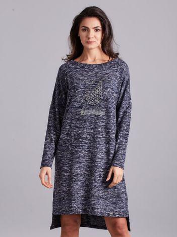 Ciemnoniebieska asymetryczna sukienka z aplikacją