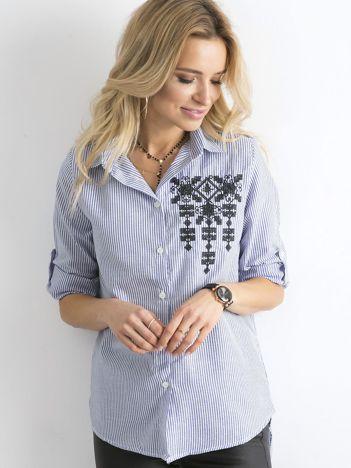 Ciemnoniebieska koszula w paski z aplikacją