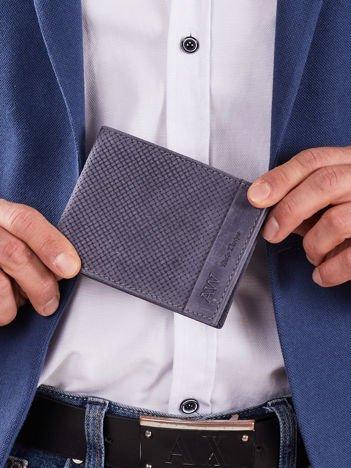 Ciemnoniebieski skórzany portfel męski z plecionym motywem