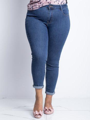 Ciemnoniebieskie jeansy plus size Souvenir