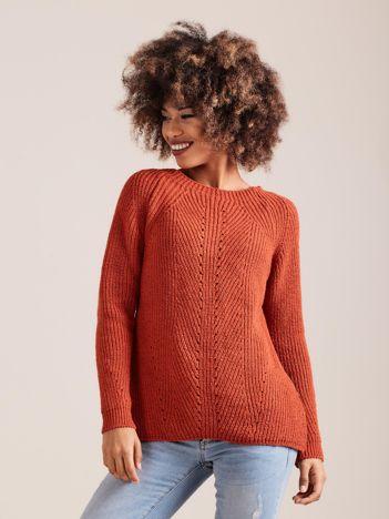 Ciemnopomarańczowy sweter dzianinowy