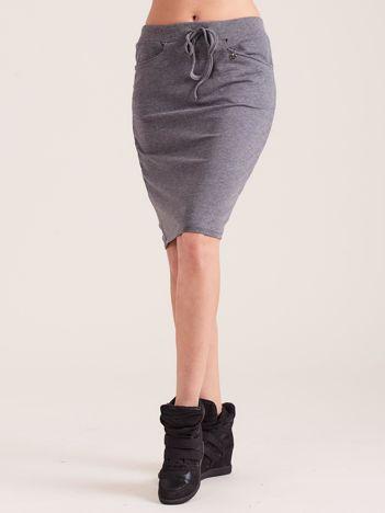 Ciemnoszara ołówkowa spódnica dresowa z kieszeniami
