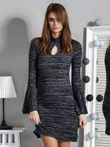 Ciemnoszara sukienka z dekoltem łezką