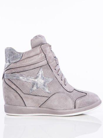 Ciemnoszare półażurowe sneakersy za kostkę z ozdobną błyszczącą gwiazdką na cholewce
