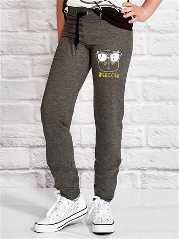 Ciemnoszare spodnie dresowe dla dziewczynki z napisem WEEOOW