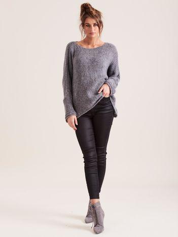 Ciemnoszary luźny sweter