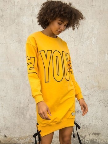 Ciemnożółta dresowa sukienka z nadrukiem
