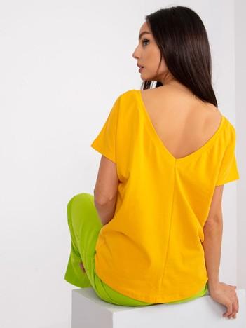 Ciemnożółty t-shirt z dekoltem na plecach