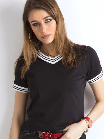Czarna bluzka ze ściągaczami w paski