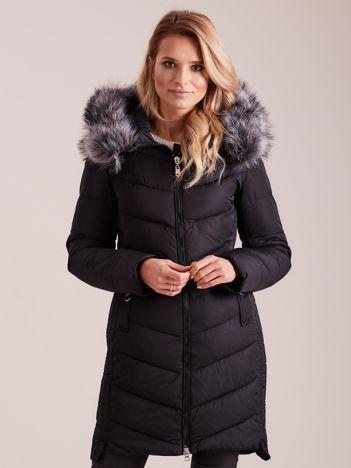 Czarna długa kurtka na zimę
