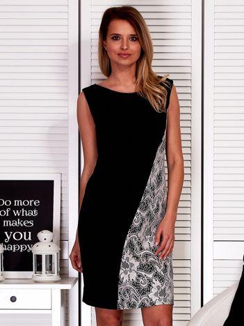 Czarna drapowana sukienka z koronkowym modułem PLUS SIZE