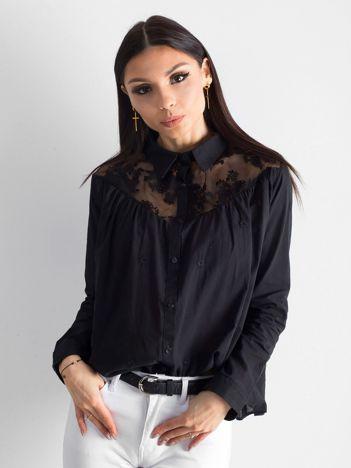 Czarna koszula z koronką