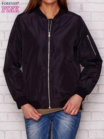 Czarna kurtka bomber jacket z kontrastową podszewką