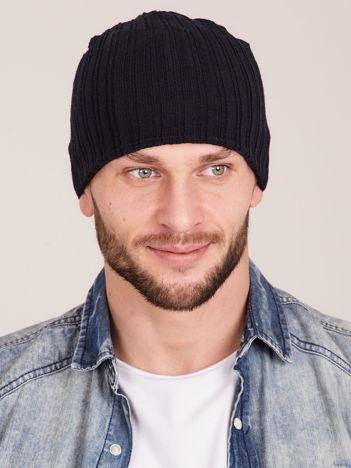 Czarna męska czapka w prążek