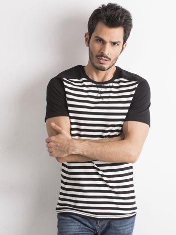 Czarna męska koszulka w pasy