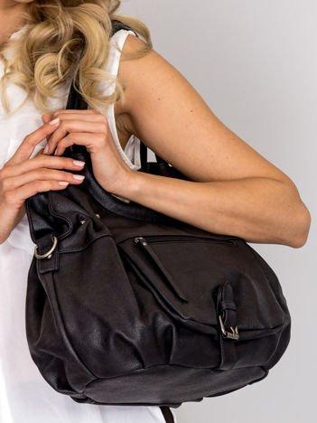 Czarna miejska torba z odpinanym paskiem