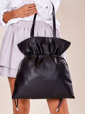 Czarna miękka torba ze ściągaczem
