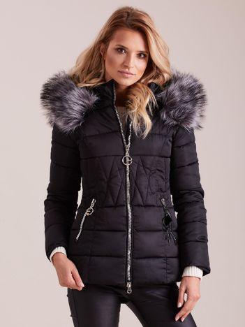 Czarna pikowana kurtka damska